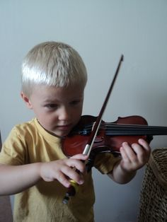 Teaching the violin to a 3 year old- really fun practice ideas!