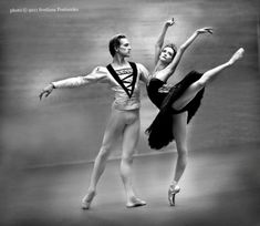 "Svetlana Lunkina Светлана Лунькина and David Hallberg, ""Swan Lake"", Bolshoi Ballet (2011) -  Photographer Svetlana Postoenko"