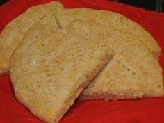 Leivontablogi, joka keskittyy gluteenittomiin resepteihin. Gluten Free Recipes, Cornbread, Free Food, Sandwiches, Baking, Ethnic Recipes, Millet Bread, Bakken, Paninis