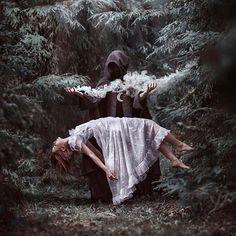 いいね!3,940件、コメント31件 ― The Witches Markさん(@thewitchesmark)のInstagramアカウント: 「Happy Spring Equinox, loves! Farewell Winter, I can already feel your grip ever easing. Time to…」