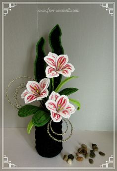Catalogo Crochet Flower Tutorial, Crochet Flower Patterns, Crochet Patterns For Beginners, Crochet Flowers, Crochet Lace, Knitting Patterns, Seashell Crafts, Flower Crafts, Crochet Hippo