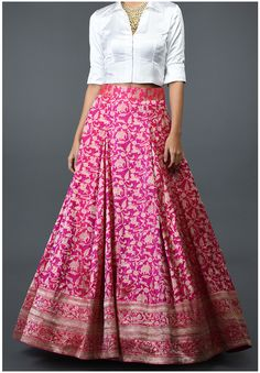 Party Wear Indian Dresses, Designer Party Wear Dresses, Indian Fashion Dresses, Indian Gowns Dresses, Dress Indian Style, Indian Designer Outfits, Wedding Dresses, Lehenga Choli Designs, Kurta Designs