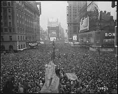 V-J Day in New York City. Crowds gather in Times Square to celebrate the surrender of Japan., 08/15/1945 by The U.S. National Archives, via Flickr