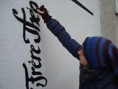 Typomural Literackie graffiti, Traugutta 3a, Zabłocie, Kraków. Pomysł: Aleksandra Toborowicz http://pinterest.com/moorale/typomural/