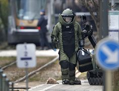 Suspect wounded, held, in Brussels attacks probe -media | One person was wounded and detained in a major police operation in the northern Brussels borough of Schaerbeek, Belgian public broadcaster RTBF quoted the local mayor as saying.
