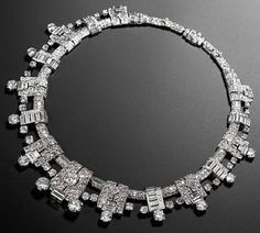 Cartier Diamond Necklace c. 1936 http://amzn.to/2ryXjqY