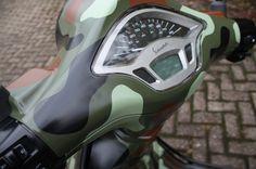 Unique Rides Vespa Primavera - Vipscooters.nl Vespa Primavera Camouflage Vespa Camouflage