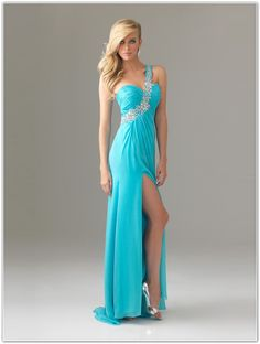 Choose Perfect Style for Sexy Homecoming Dresses Carefully