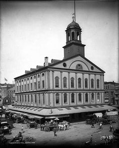 Shorpy Historical Photo Archive :: Faneuil Hall: The weathervane by Shem Drowne is still there as well. Vintage Photographs, Vintage Photos, Shorpy Historical Photos, Today In History, Local History, Ancient History, Meanwhile In, In Boston, Boston Strong