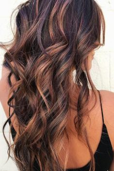 11 fall hair color trends that are going to be huge this year! color dark 11 Fall Hair Color Trends That Are Going to Be Huge This Year Hair Highlights And Lowlights, Hair Color Highlights, Hair Color Dark, Hair Color Balayage, Cool Hair Color, Auburn Balayage, Haircolor, Balayage Brunette, Caramel Balayage