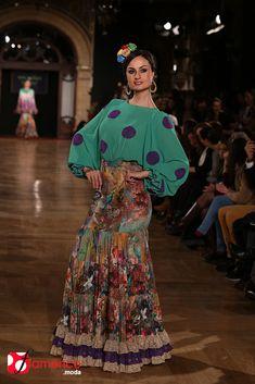 Pepe el Ajolí - We Love Flamenco 2015 Hippie Style, Bohemian Style, Fashion Art, Runway Fashion, Flamenco Costume, Arabic Dress, 2015 Fashion Trends, Spanish Fashion, Gowns Of Elegance