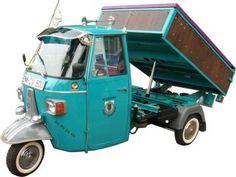 Piaggio Ape with hydraulic bed