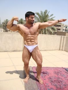 Guy with big muscles barebacking latin gay bu 3