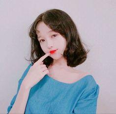 Korean Makeup Look, Asian Makeup, Ulzzang Short Hair, Ulzzang Hairstyle, Wispy Hair, Korean Fashion Ulzzang, Girl Couple, Girls World, Asia Girl