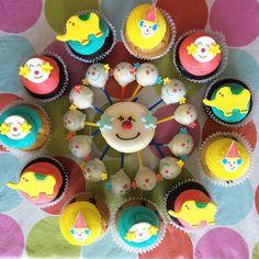 Dia gris cosas ricas coloridas! Al circo!  www.needcupcakes.com.ar  #cake #cupcakes #cookies  #cakepops #galletitas #tortas #pasteles #AYNIC #needcupcakes #circo #circus