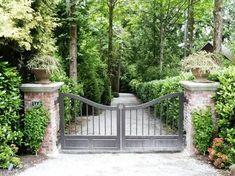 Intercontinental Gardener: Gates in Medina Driveway Entrance Landscaping, Driveway Design, Driveway Gate, Fence Gate, Fencing, Front Yard Fence, Front Gates, Entrance Gates, Farm Entrance