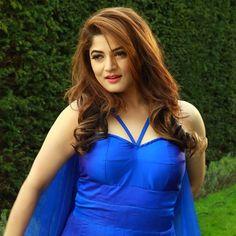 Srabanti Indian Bollywood Actress, Indian Actresses, Beautiful Indian Actress, Beautiful Actresses, Cinema Movies, Film, Evening Dresses, Hollywood, Celebrities
