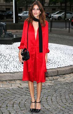 alexa-chung-street-style-red-look-tiny-scarff