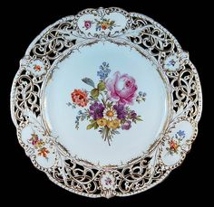 RARE ANTIQUE HAND PAINTED ROSES FLORAL GOLD RETICULATED DRESDEN CABINET PLATE!