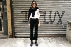 30 Days of Mirror Selfies Might Teach You Something - Man Repeller