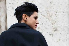 Androgynous chic.