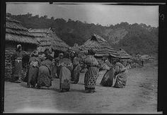 Amazon.com: Photo: Crane dance, Ainu women, clothing, villages, rites, ceremonies, Arnold Genthe, 1908: Prints: Photographs