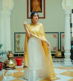 By Harkiran Basra Pakistani Frocks, Pakistani Outfits, Dress Indian Style, Indian Dresses, Indian Attire, Indian Ethnic Wear, Ethnic Outfits, Indian Outfits, India Fashion