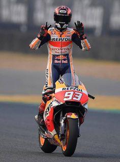 Motorcycle Racers, Motorcycle Men, Marc Marquez, Velentino Rossi, Yamaha R3, Spanish Grand Prix, Bmw S1000rr, Sportbikes, Honda Motorcycles