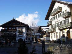 """Fast wie 4 Tage Urlaub war dieser Dekoauftrag für ein großes indisches Fest, in eines der Festsäle im """"Kempinski Hotel Das Tirol, in Jochberg - Kitzbühel Alps - Österreich.   Wir nutzen unsere so kostbaren freien Momente, weg vom Alltagsstress, um diese herrliche Gegend etwas näher zu erkundschaften und so landeten wir eher durch Zufall und völlig unbeabsichtigt, angelockt durch den Namen der Stadt, in St. Johann, ...!   http://www.pandoramichelelorenz.com/"""