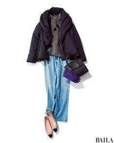 休日らしいざっくりニット×デニムパンツのコーデは、デコルテがきれい見えするVネックニットで女っぽさをひと匙加えて。ブラックが効いた華やかなバレリーナシューズを加えれば、歩きやすいのに手抜き感のないムードに。コートも暖かくて軽いレディなダウンで、楽しておしゃれを叶えましょう! 誰か・・・