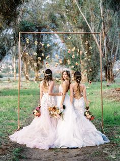 bridal shoots - photo by Anna Delores Photography http://ruffledblog.com/bridal-beauty-wedding-inspiration-in-the-woods