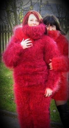 Gros Pull Mohair, Extreme Knitting, Angora Sweater, Fur Fashion, Catsuit, Sweater Outfits, Wool Sweaters, Knitwear, Fur Coat