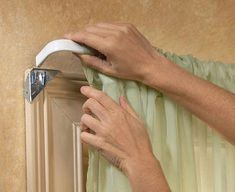 Easy Mount Instant Curtain Rod Holders - No nailing! They fit over the corner of the window molding. Curtain Rod Holders, Curtain Rods, Curtain Hangers, Curtain Rod Brackets, Doorway Curtain, Curtain Hardware, Cheap Home Decor, Diy Home Decor, Window Molding Trim