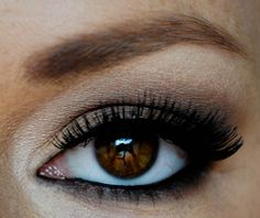 Quick soft brown eye tutorial; Perfect paired with nude lip.
