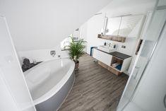 Fugenlose Wandverspachtelung Bathtub, Bathroom, Full Bath, Bathing, Projects, Standing Bath, Washroom, Bathtubs, Bath Tube