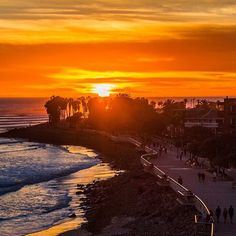 Sunsets in California - like this one from Ventura - are pure gold.  Thanks @visitventura for sharing this photo of Surfer's Point by @Theonlytyrijohnson. #sunset #VisitCA