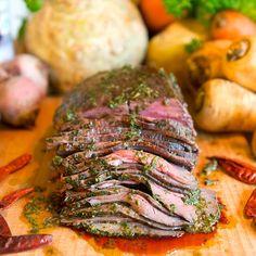 Basilikamarinerat innanlår - Recept & tips – Köp ekologiskt, smakrikt och gräsuppfött kött online på grönagårdar.se! - Gröna gårdar – Köp ekologiskt, smakrikt och gräsuppfött kött online på grönagårdar.se!