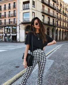 23 Corporate Outfits That Make You Look Cool Looks style surprisingly cute casual style Mode Outfits, Casual Outfits, T Shirt Outfits, Fall Outfits, Plaid Pants Outfit, Summer Pants Outfits, Classy Summer Outfits, Cowgirl Style Outfits, Casual Ootd