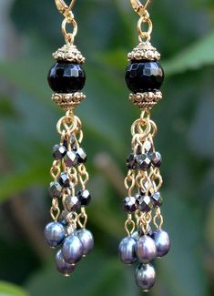 Black Onyx Gemstone Dangle earrings.Tahitian Pearl
