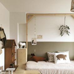 Une chambre d'enfant très nature dans des tons bruns pour un repos bien mérité