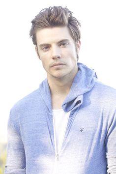 Josh Henderson - longer hair for men