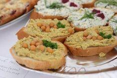 VEGANSKÉ CHLEBÍČKY (10 druhů) | Soucitně Chickpea Sandwich, Vegan Recepies, Krabi, Chickpeas, Egg Free, Hummus, Mashed Potatoes, Plant Based, Dairy Free