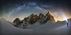 Frozen Giant Nicholas Roemmelt (Germany) The celestial curve of the Milky Way joins with the light of a stargazer's headlamp to form a monumental arch over the Cimon della Pella in the heart of the Dolomites mountain range in northeastern Italy. Mount Shasta, Astronomy Photography, Cool Pictures, Cool Photos, Ciel Nocturne, Oregon, Photography Awards, Milky Way, Stargazing