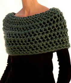 Knit 1 LA - Capelet. Pattern $6.50