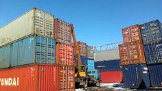 Продам 20 и 40 фут. контейнеры со склада в Сургуте. Состояние хорошее, подойдут для хранения и перевозки грузов, склада. бытовки и садового домика. Помощь в доставке.
