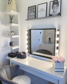 Small Dressing Rooms, Dressing Room Decor, Dressing Room Design, Dressing Table Organisation, Ikea Malm Dressing Table, Vanity Organization, Dressing Tables, Makeup Storage, Organization Ideas