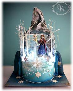 Two sisters (Frozen) - Cake by Karolina Gergelova