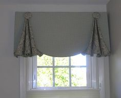 Love This Roman Shade Looks Like White Linen Lined And