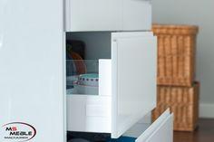 Funkcjonalne szuflady na systemach BLUM. Niezawodne i objęte wieczystą gwarancją. Otwierają i zamykają się przy użyciu minimalnej siły i działają niezwykle cicho i delikatnie.