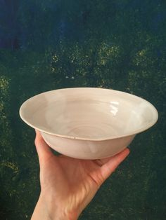 #ceramics #pasta #handmadeplate #soup #potteryideas #wheelthrown #cihlinka #aesthetic #salatplate #platebowl Serving Bowls, Stoneware, Soup, Pasta, Pottery, Plates, Tableware, Ceramica, Licence Plates